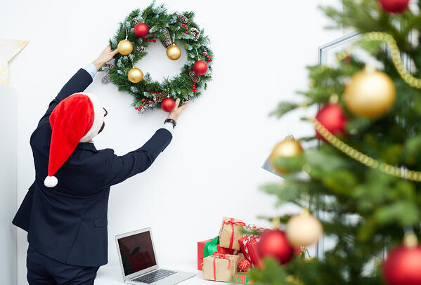 christmas-in-the-office